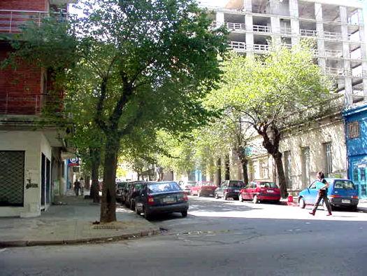 Paseando por montevideo for Mueblerias por calle rivera montevideo
