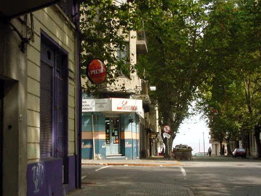 Convención esquina Maldonado
